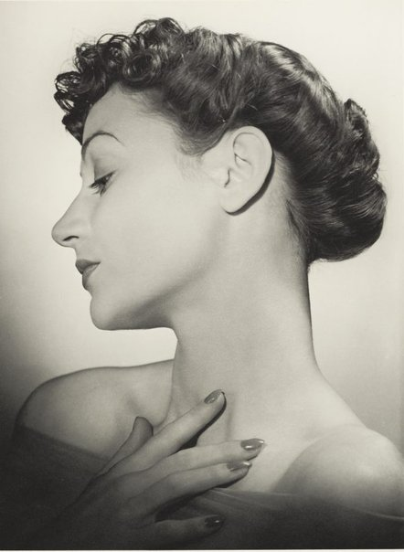 An image of Untitled (fashion illustration - woman in profile) by Max Dupain