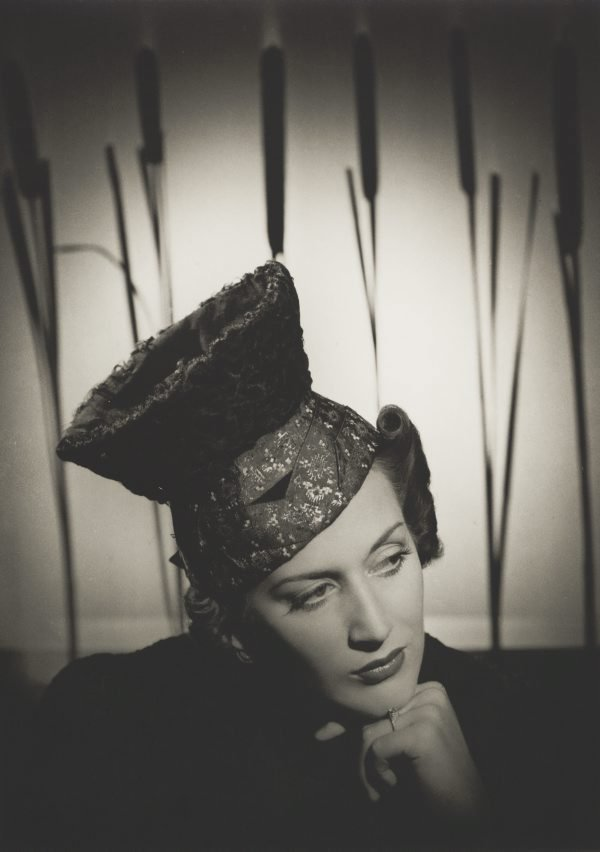 An image of Untitled (fashion illustration: woman wearing hat)