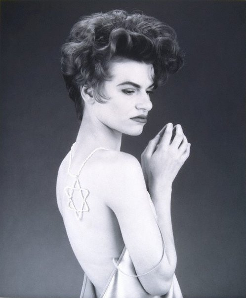 An image of Sandra Bernhard by Edward Mapplethorpe