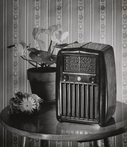 An image of Untitled (wireless advertisement) by Max Dupain