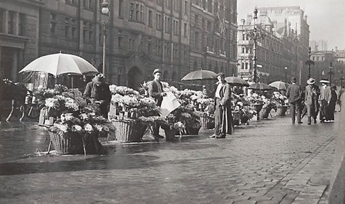 An image of Flower sellers in Martin Place by Harold Cazneaux
