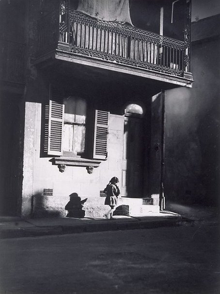 An image of Surry Hills by Harold Cazneaux