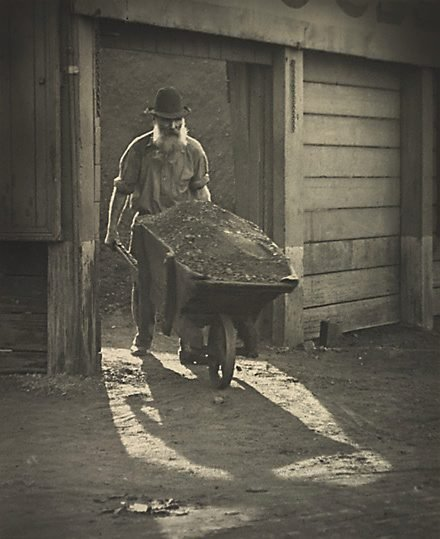 An image of Old timer by Harold Cazneaux