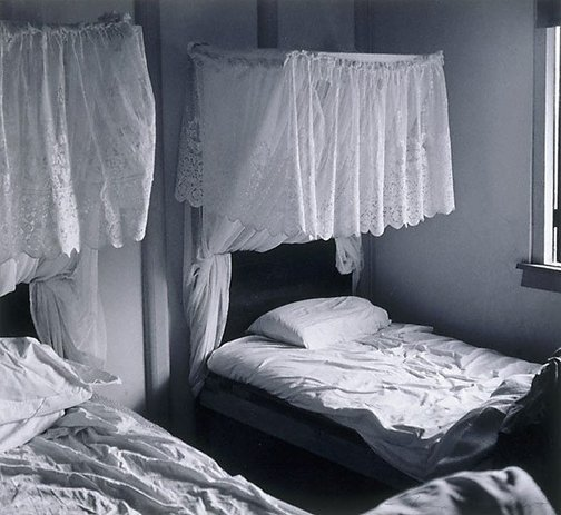 An image of Hotel beds at Atherton by Max Dupain