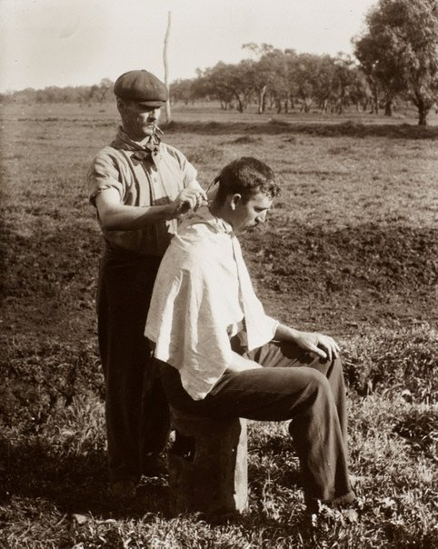 An image of The station barber by Unknown, Kerry & Co