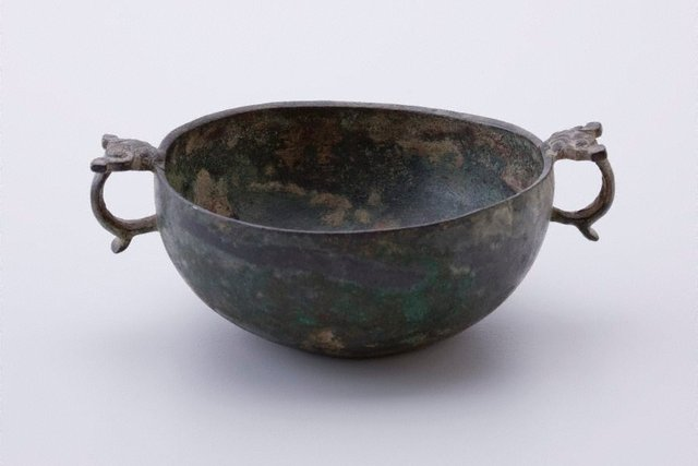 An image of Bowl with 2 taotie mask handles