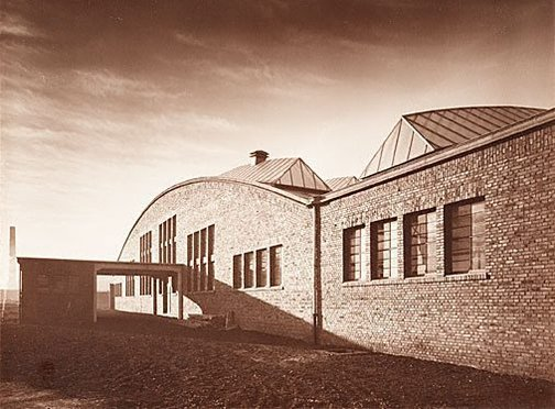 An image of Factory hall by Werner Mantz