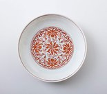 Alternate image of Dish with floral decoration by Jingdezhen ware