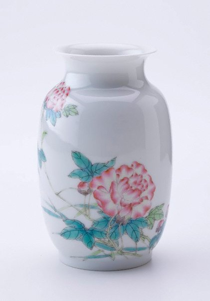 An image of Vase of rouleau form by Jingdezhen ware