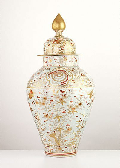 An image of Covered jar with design of aster, pinks and birds by Arita ware