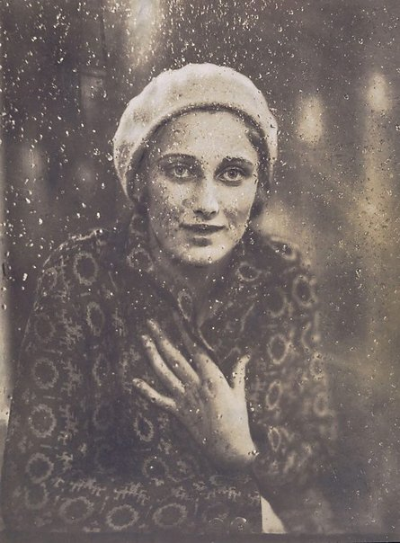An image of Margaret Vyner by Harold Cazneaux