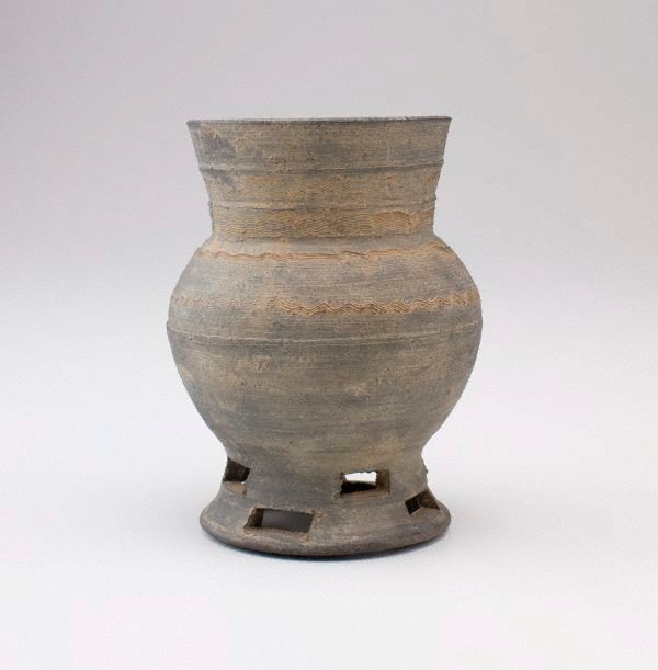 An image of Small vase