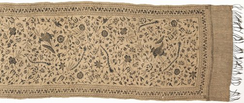 An image of Slendang (shoulder cloth) with bird and flower design by