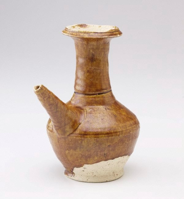 An image of Kendi  with straight spout