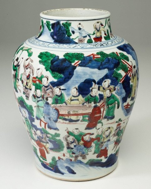 An image of Large jar by Jingdezhen ware