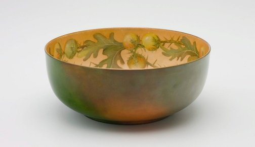 An image of Salad bowl with solanum design by Ethel Atkinson