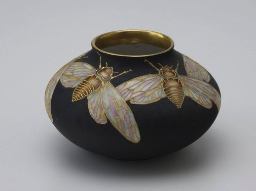 An image of Vase with cicada design by Delia Cadden