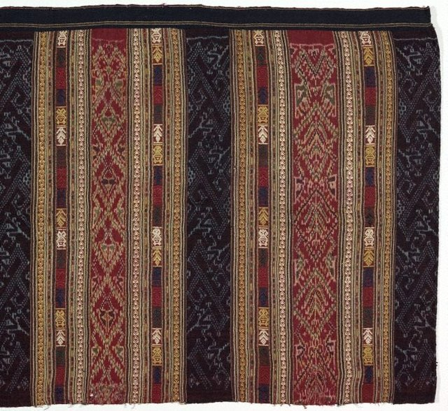 An image of Ceremonial skirt 'phaa sin' with naga ('nak') motif