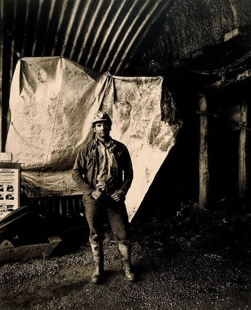 An image of Ron Burgess, loaderman by Graham McCarter