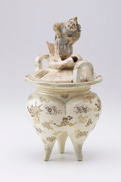 An image of Three-legged incense burner by Meiji export crafts