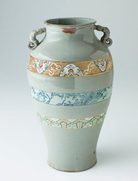 An image of Vase decorated with grey-green slip by Sôma ware