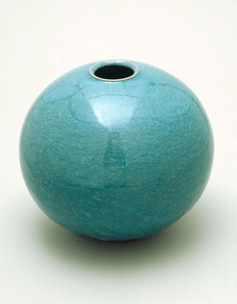An image of Pot with turquoise crystal glaze by SHIGA Shigeo