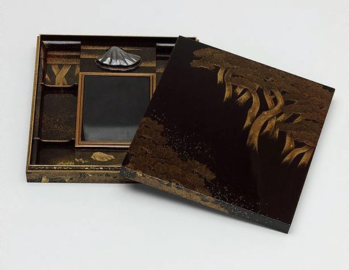 An image of 'Suzuribako' (writing case) by