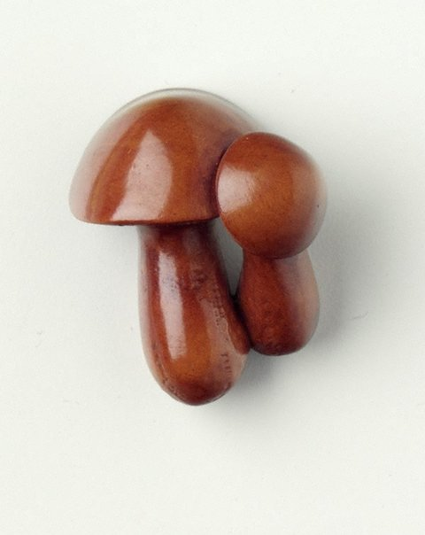 An image of Netsuke in the form of mushrooms by