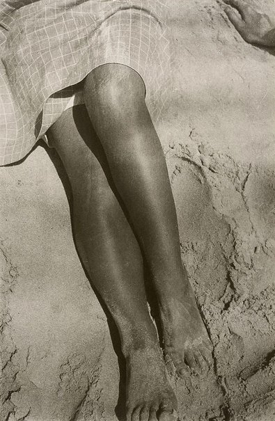 An image of Legs in sand by Herbert Bayer