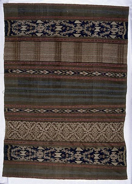 An image of woman's skirtcloth by