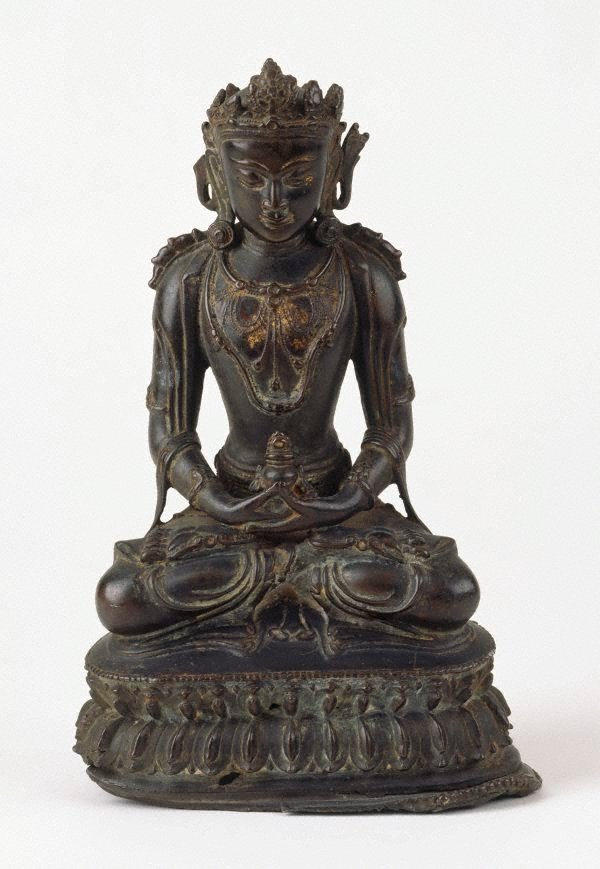 An image of Seated crowned Buddha