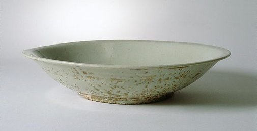 An image of Large charger by Swatow ware