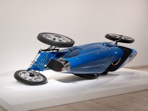 An image of Bugatti Type 35 by James Angus