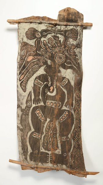 An image of Painting from ceremonial house ('deman' spirit with two birds and lizard) by Ap Ma people