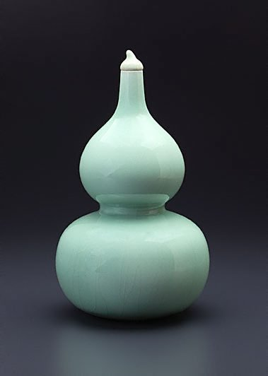 An image of Vase in double-gourd shape by Longquan ware