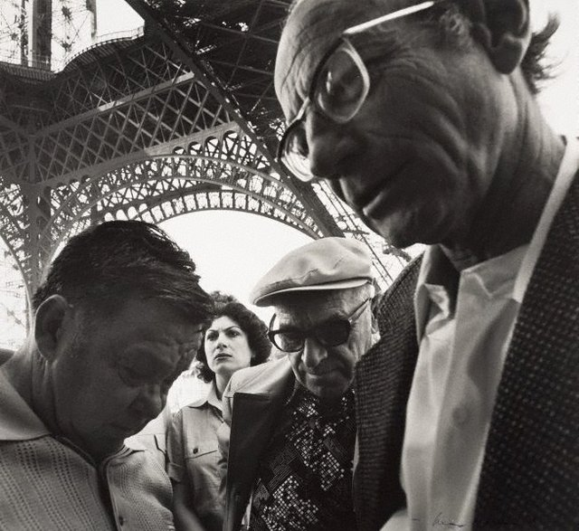 An image of Untitled (group of people near the Eiffel tower)