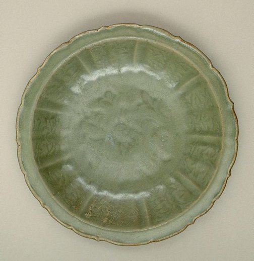 An image of Dish with lotus decoration and foliate edge by Longquan ware