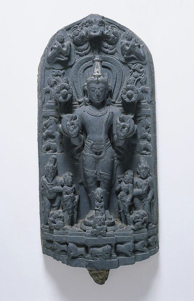 An image of Surya, the sun god by