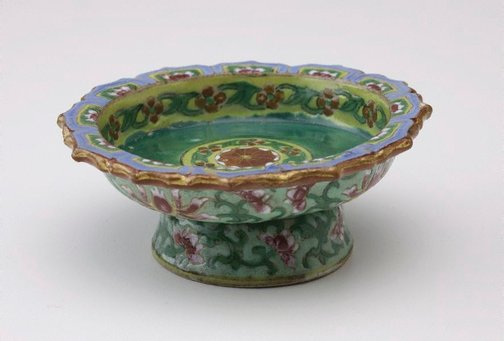 An image of Tazza decorated on front with floral motifs and on back with four lotus by Bencharong ware