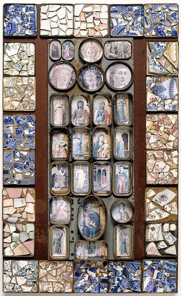 An image of Mosaic by Rosalie Gascoigne