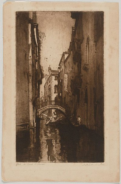 An image of A canal in Venice by Thomas Friedensen