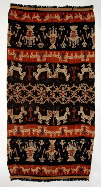 An image of Hinggi (man's shawl or mantle) by