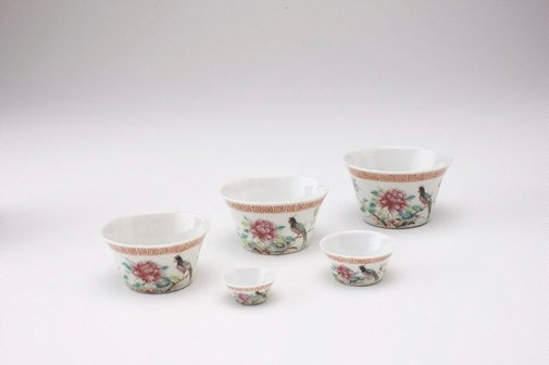 An image of Set of five wine cups with bird designs by