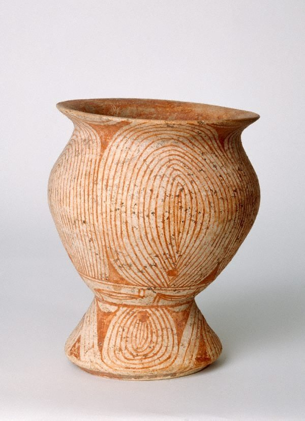 An image of Pedestal bowl