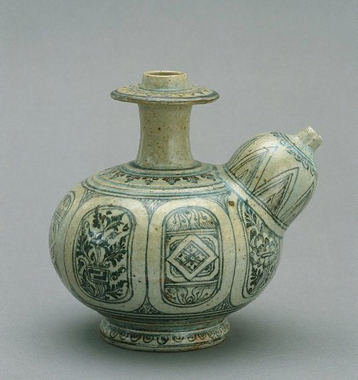 An image of Kendi of bulbous body and mammiform spout by Sukothai ware