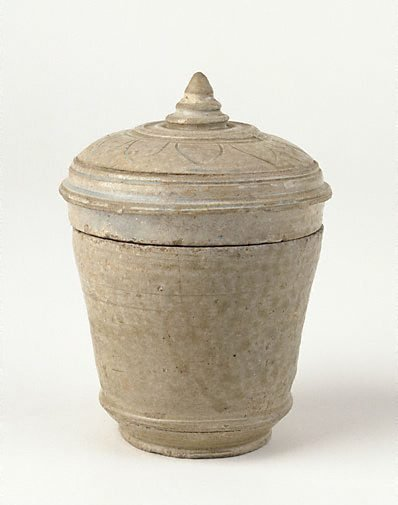 An image of Covered jar with incised lotus petal design on cover by Kulen ware