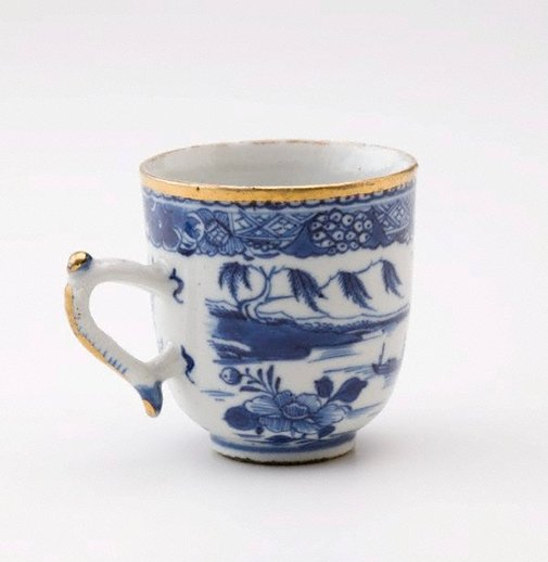 An image of Oriental cup by Unknown