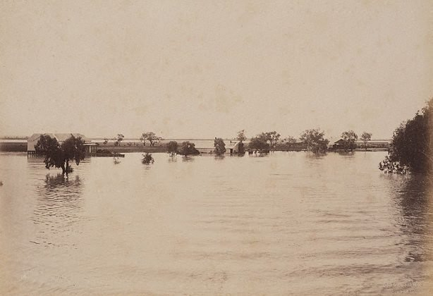 An image of Woolsheds Dunlop Station, Darling River (first view)