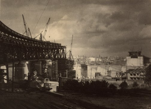 An image of Untitled (The Sydney Harbour Bridge in construction: Milson's Point roadway) by Henri Mallard
