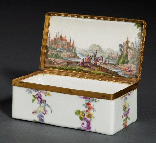 An image of Snuff box by Meissen